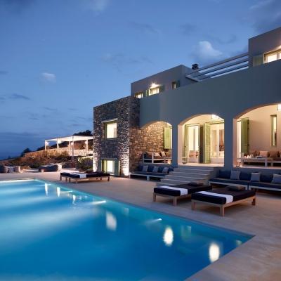 Private Villa in Elounda 1: Image 1
