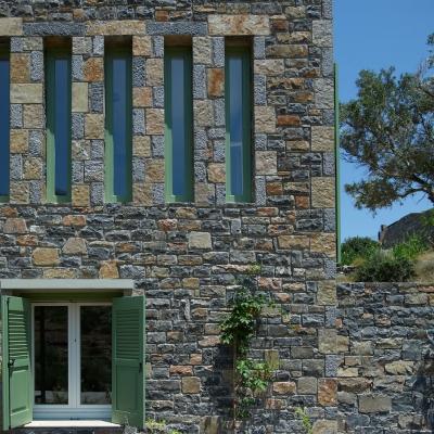 Private Villa in Elounda 1: Image 2