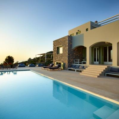 Private Villa in Elounda 1: Image 5