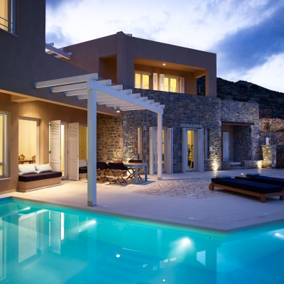 Private Villa in Elounda 2: Image 1